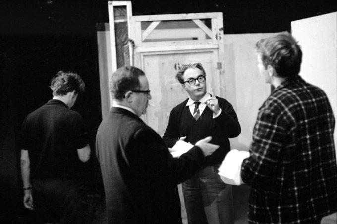 """Max Frisch Bei Der Uraufführung Des Dramas """"Andorra""""."""